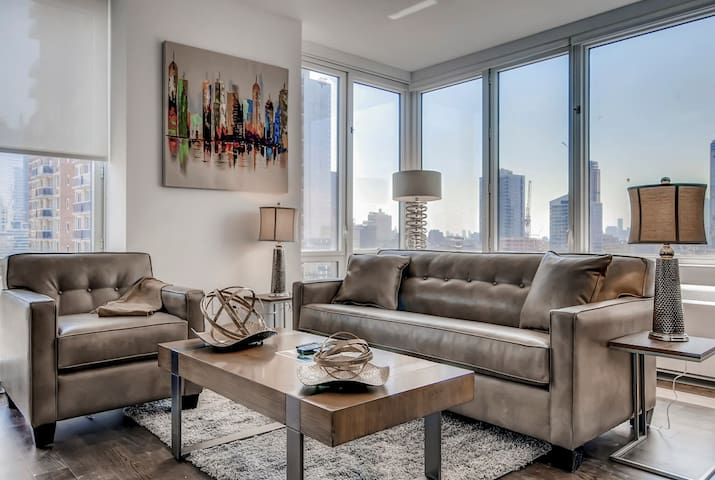 Modern NYC 1BR | Kitchen | Healthcare Pros Welcome
