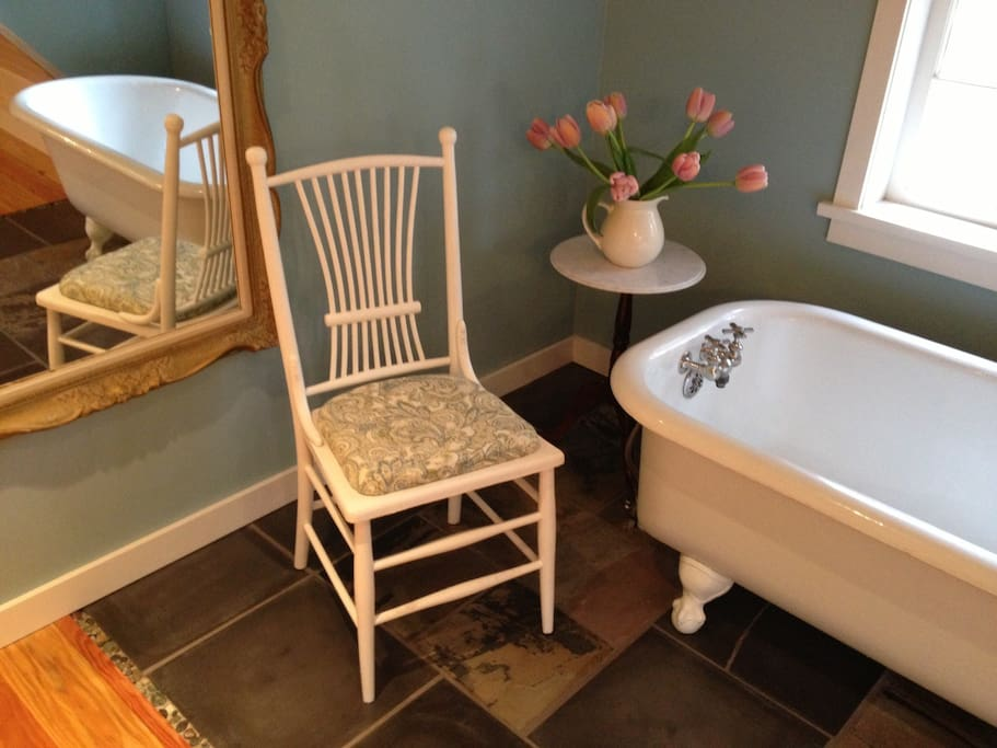 The claw foot bath tub is perfect for a soak after a day of exploring Quadra Island.