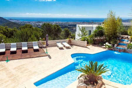 HOUSE WITH JACUZZI AND SEA VIEWS -ET-0416-E - Huvila