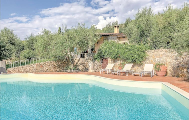 Holiday cottage with 4 bedrooms on 260m² in Gaeta LT
