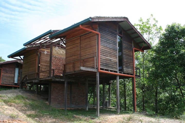 One of the ORIGINAL duplex stilt huts. 2 rooms in one wooden structure.