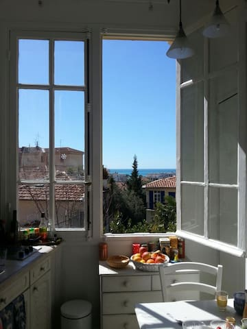 Sea View - Cozy Atelier in Nice