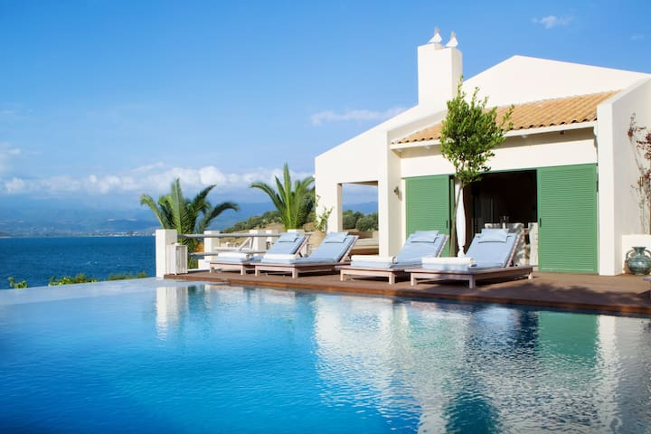 UNIQUE seafront villa for 18 persons. Cook incl.