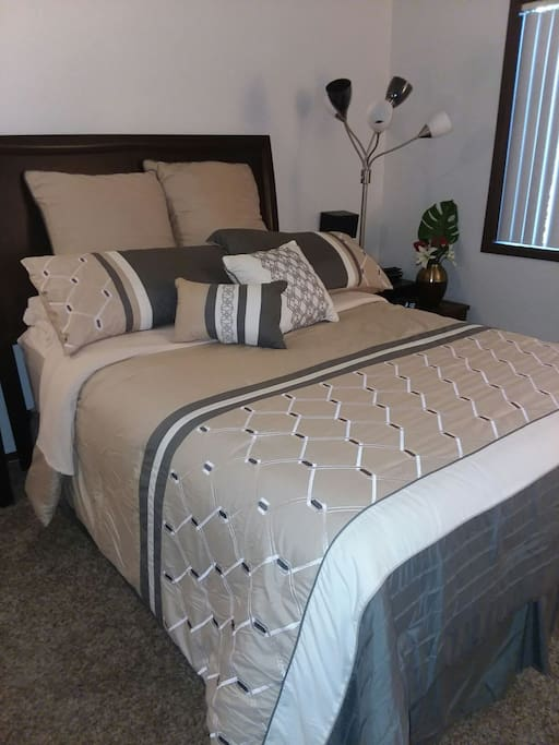 This is the queen bed.  It's a great bed, and many have said it was very comfortable.
