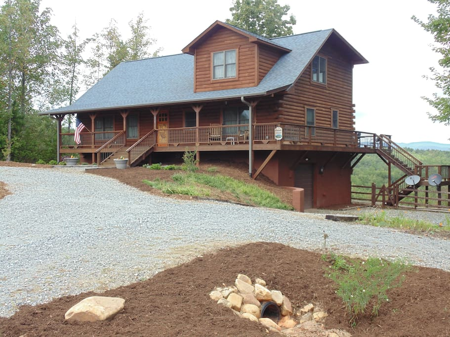 Log cabin has 3300 square feet on three levels with ample parking