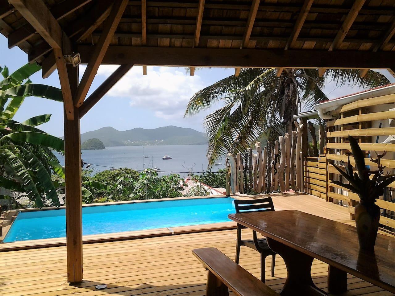 VUE panoramique de la terrasse commune et espace piscine