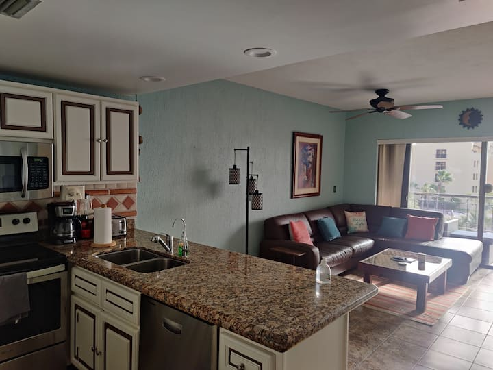 Awesome 1 Bedroom On Sandy Beach