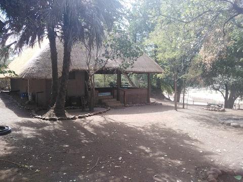 Nthakeni Bush & River camp Mulala family cottage
