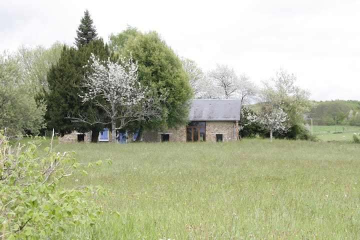 Gîte le crauloup - nature and quiet - La Croisille-sur-Briance - Huis