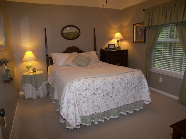 The Woodlands Home Away From Home A - The Woodlands - Talo