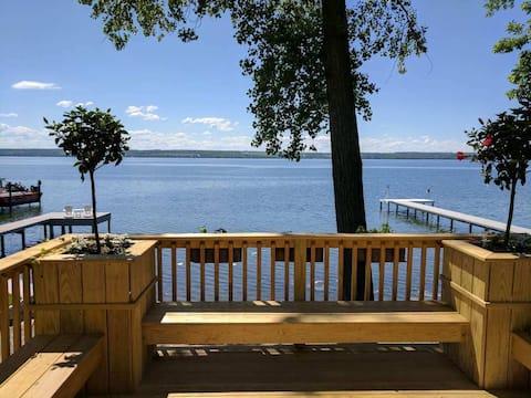 Magnolia  Lakeside Cottage