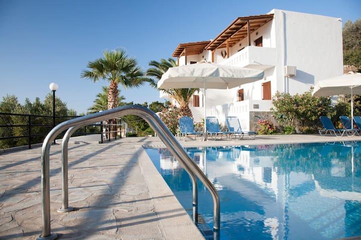 Villa Michalis for 4-5 persons - Agios Nikolaos - Apartment