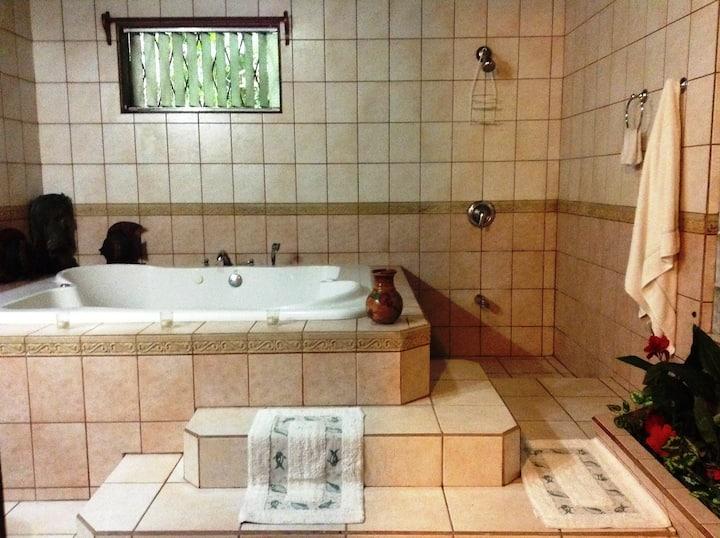 Casa Chalet-Romantic Naturalist´s Delight