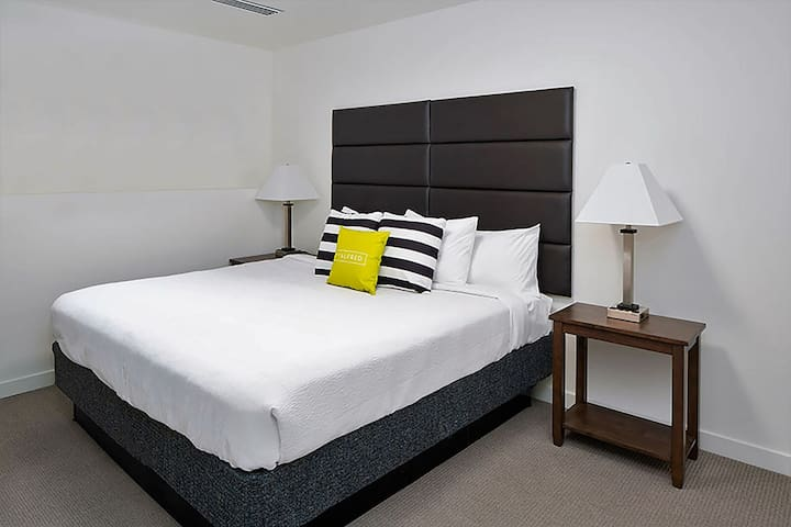 Cozy Stay Alfred at Presley Uptown