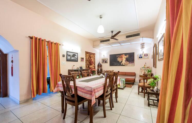 Tanuja's HomeStay Room 4
