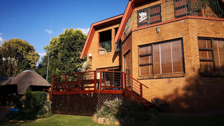 Large Family Home Beautiful Garden, Randburg