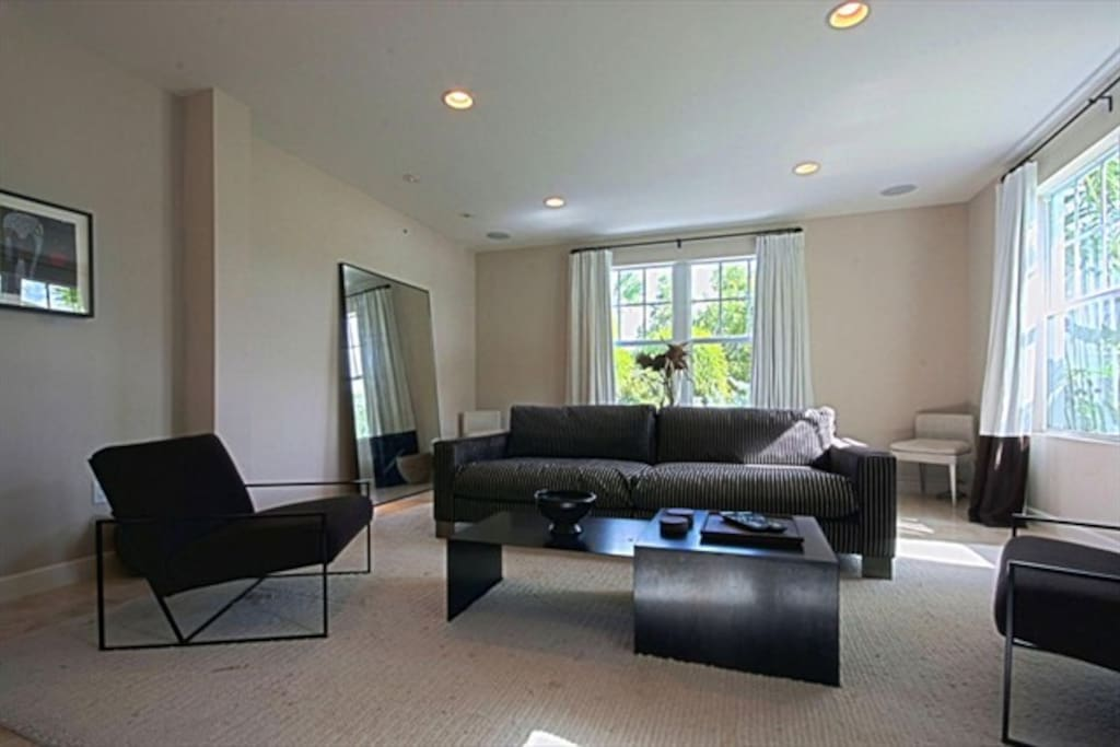 Couch, Furniture, Indoors, Room, Coffee Table