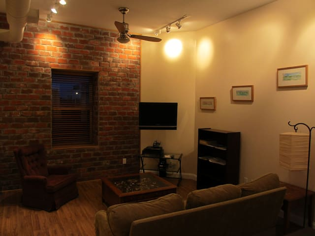 Fully furnished downtown condo - Greensboro - Apartamento