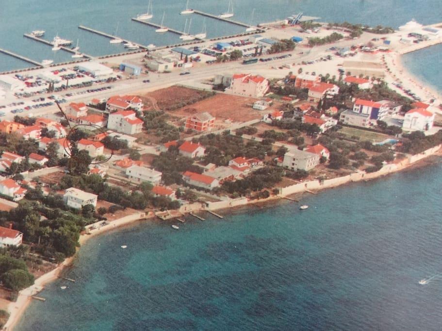 Unser Haus auf einer Halbinsel, bei Marina Damacija