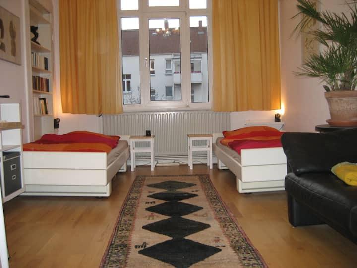 Messezimmer für 2 in zentraler ruhiger Wohnlage