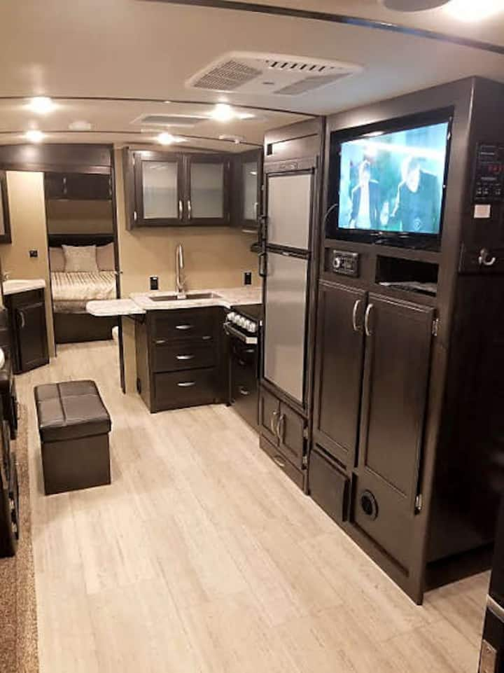VA Beach Memory Maker! Luxurious 2 BedRoom RV!