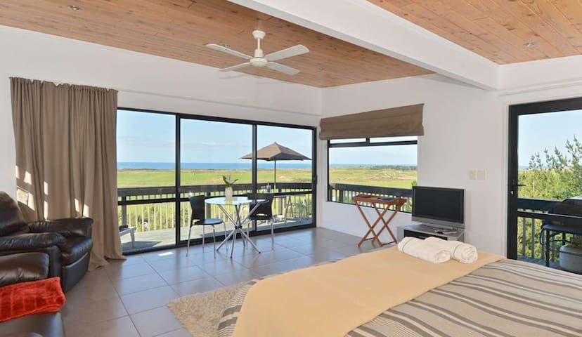 Idyllic modern self-contained unit - Whangarei Heads
