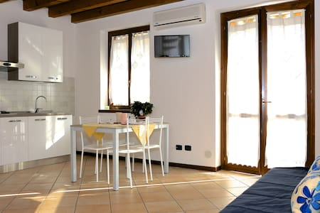 Rent house for holiday in sirmione - Leilighet