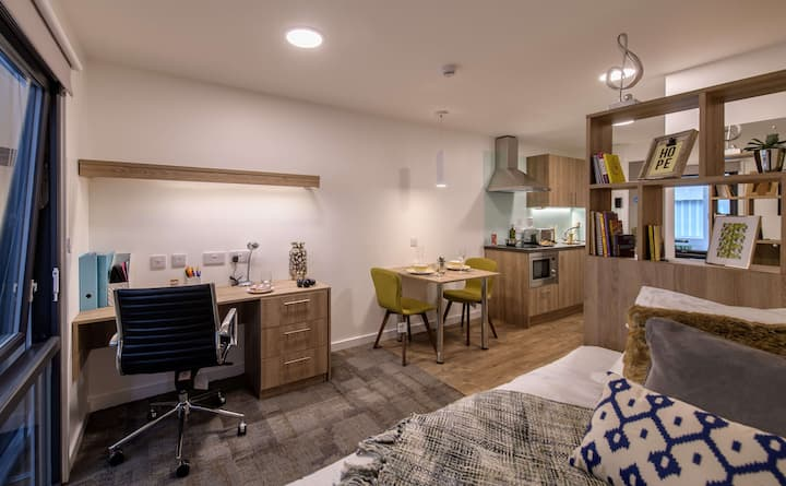 Student Only Property: Fabolous Bronze Studio