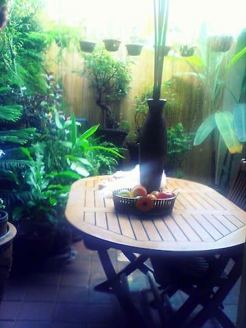 A TROPICAL PARADISE - Antipolo City - Haus