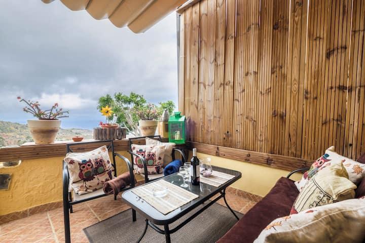 """Charmant studio """"Casa Carmelita"""" avec terrasse, vue sur l'océan et Wi-Fi ; petits animaux domestiques autorisés"""
