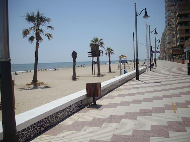Apartamento playa Perelló. - Sueca - Daire