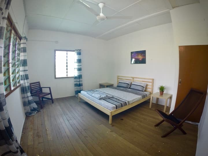 OIKOS Artisan Guesthouse - King Sized Bedroom