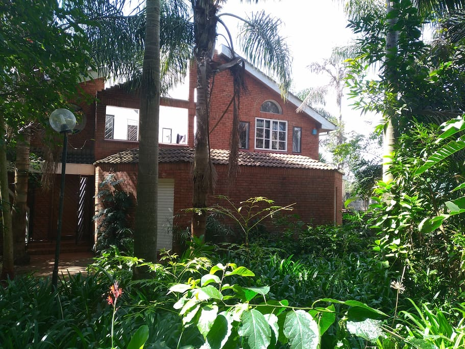 House is located in a green & quiet compound with lots of trees