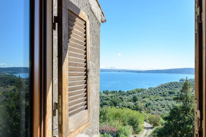 Swallow house at the lake near Rome - Bracciano