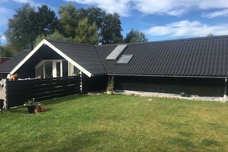 Nice vacation house near the sea - Sjællands Odde - 小木屋