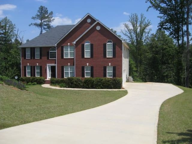 Luxury Home from Home in Stone Mountain