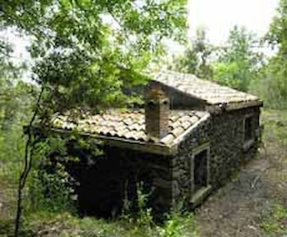 Hut in the Etna Park - Zafferana etnea