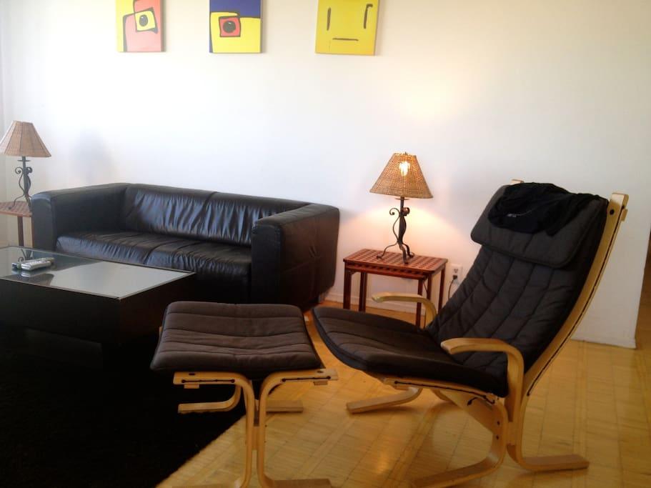 Bloor And Yonge  Room Rent