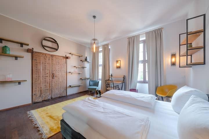 """Design Apartments - """"Am Neuen Garten, Apt. 5"""""""