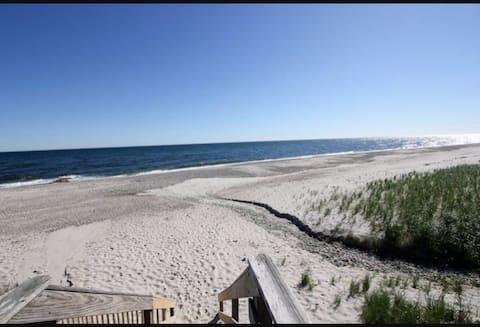 Cozy Cape Escape with Private Beach!