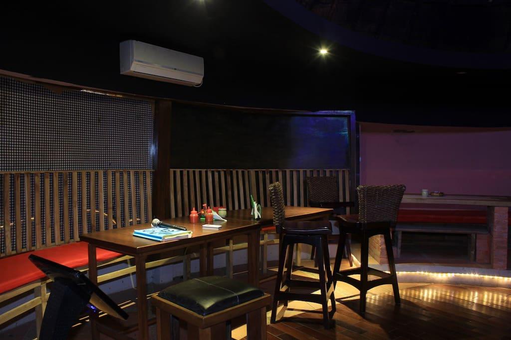 Karoke Bar