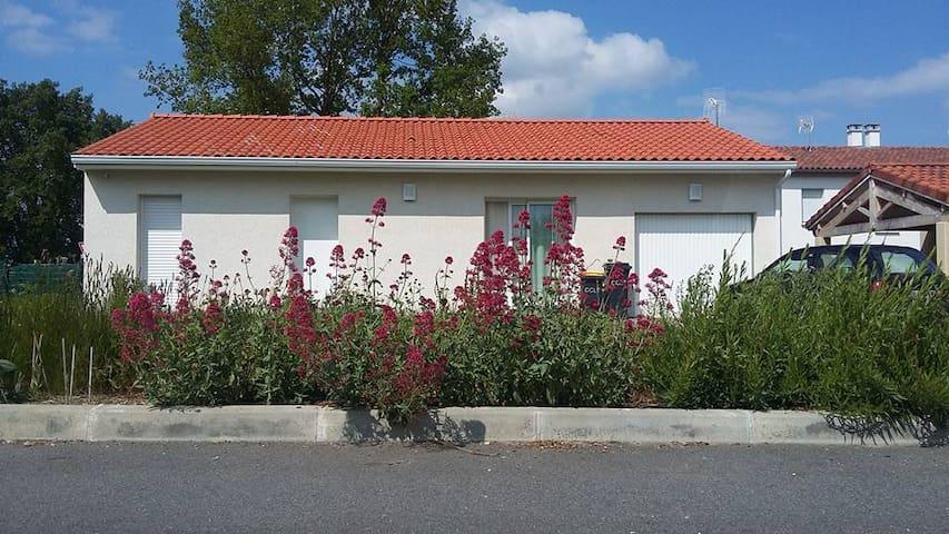 Maison très agréable à 30 minutes de Toulouse - Saint-Élix-le-Château - Huis