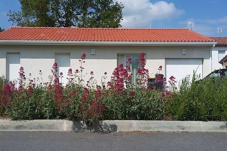 Maison très agréable à 30 minutes de Toulouse - Saint-Élix-le-Château