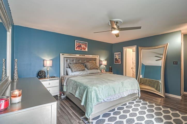 Luxury Premium Master Bedroom Uptown Charlotte !!