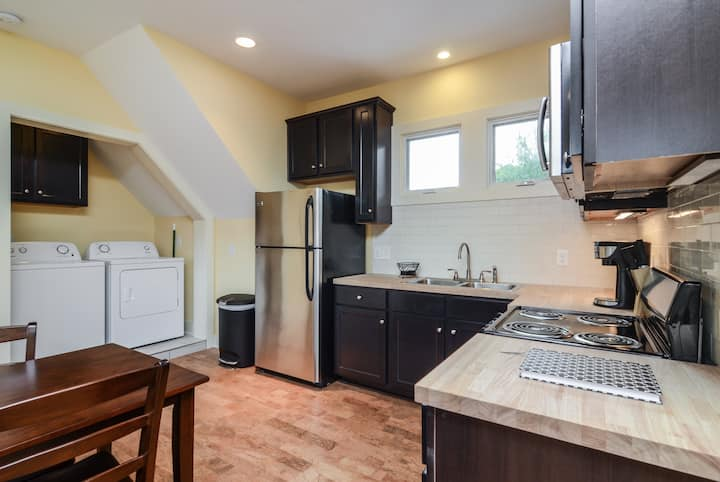 East Nashville Apartment Close to Everything