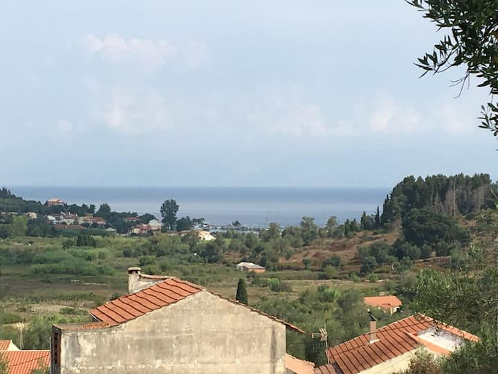 Detached village house in S. Corfu with sea view
