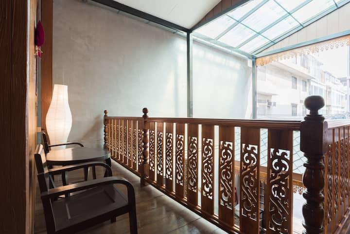 Family room near Hua Lamphong train station