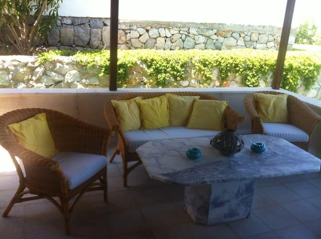 Çesmede nezih site icinde Kiralik Dublex Villa! - Çeşme - Holiday home