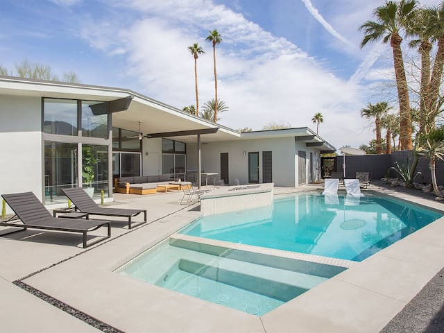 NEW The Whip It Ranch Luxury Estate Available Coachella & Stagecoach