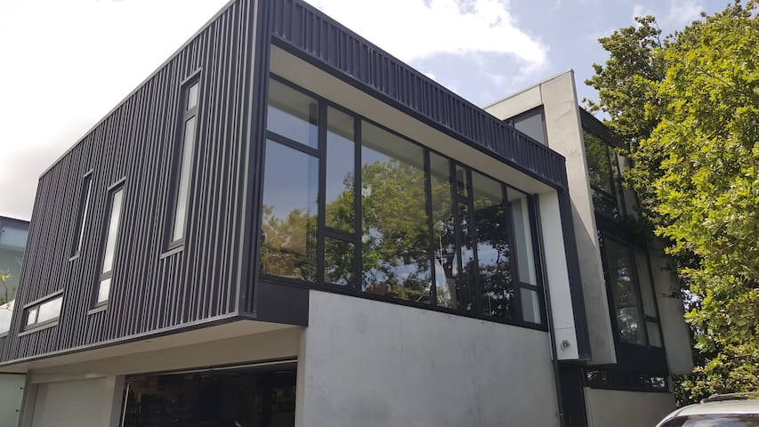 Kingsland Eden Park  new home prime location - Auckland - Haus
